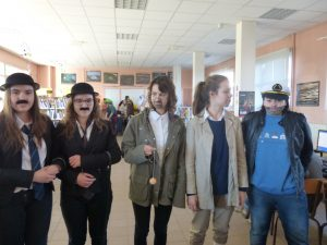 1er prix : le groupe Tintin (Héloïse, Gabriella, Lisa, Maëlle, Anouche; TS2)